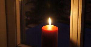 Kerze im Fenster - Licht der Hoffnung - Daniel Vogel